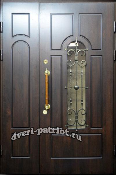 двухстворчатые входные двери для коттеджей