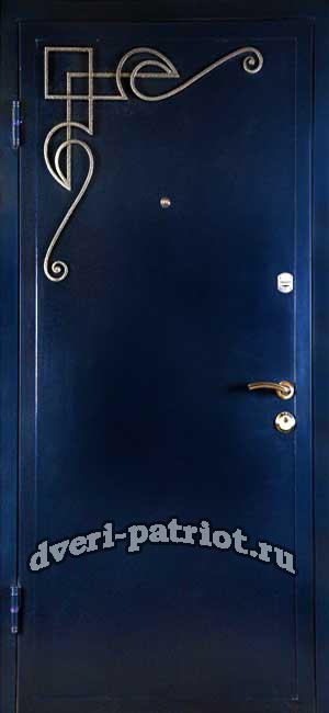 металлические дверь с ковкой