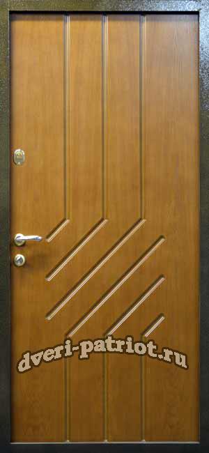 железная дверь со шпоном