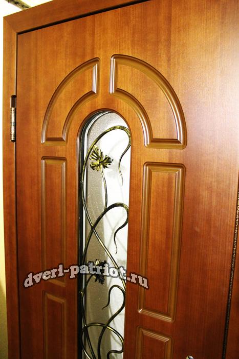 двери входные уличные утеплённые со стеклом