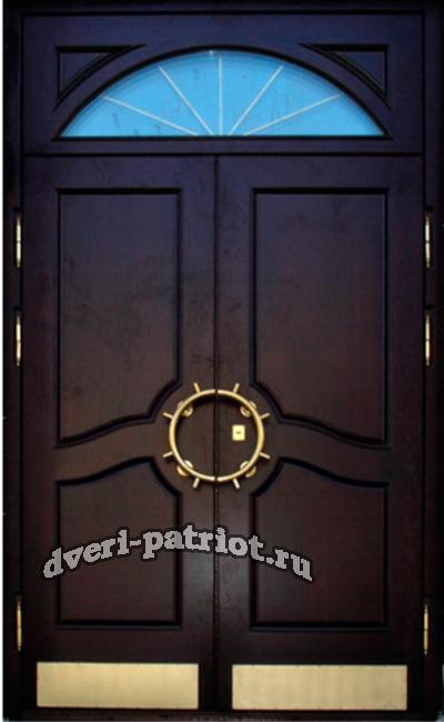 двухстворчатая железная дверь в парадную с домофоном