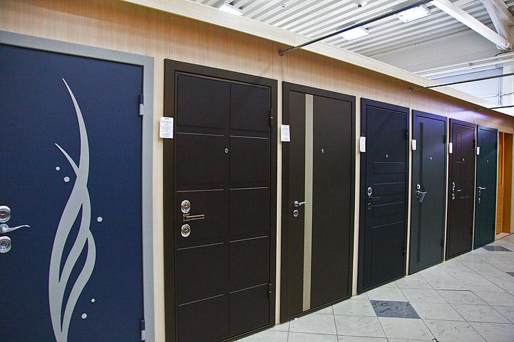 входные металлические двери выставочные
